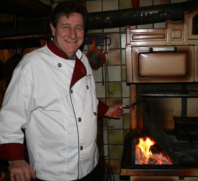 Restaurant l 39 h ritage le chef cuisine devant vous sur le for Restaurant japonais chef cuisine devant vous